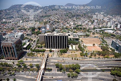 Foto aérea do Teleporto do Rio de Janeiro - à esquerda - com a Prefeitura da cidade do Rio de Janeiro - à direita  - Rio de Janeiro - Rio de Janeiro (RJ) - Brasil