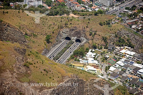 Foto aérea dos túneis Geólogo Enzo Totis e Engenheiro Enaldo Cravo Peixoto na Linha Amarela  - Rio de Janeiro - Rio de Janeiro (RJ) - Brasil
