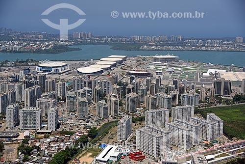 Foto aérea de prédios em Jacarepaguá com o Parque Olímpico Rio 2016 ao fundo  - Rio de Janeiro - Rio de Janeiro (RJ) - Brasil