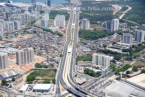 Foto aérea de estações do BRT Transolímpica na Avenida Salvador Allende  - Rio de Janeiro - Rio de Janeiro (RJ) - Brasil