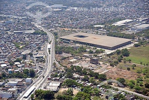 Foto aérea da Estrada dos Bandeirantes com a  Hypermarcas Farmacêutica à direita  - Rio de Janeiro - Rio de Janeiro (RJ) - Brasil