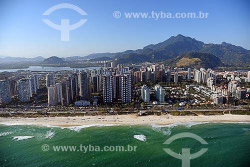 Foto aérea do Praia da Barra da Tijuca com a Lagoa da Tijuca ao fundo  - Rio de Janeiro - Rio de Janeiro (RJ) - Brasil
