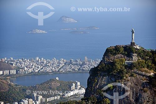 Foto aérea do Cristo Redentor (1931) com o Monumento Natural das Ilhas Cagarras ao fundo  - Rio de Janeiro - Rio de Janeiro (RJ) - Brasil