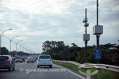 Radar para fiscalização eletrônica de velocidade na Linha Vermelha  - Rio de Janeiro - Rio de Janeiro (RJ) - Brasil
