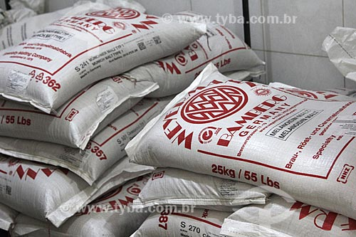 Sacas de malte importado para a produção de cerveja na Cervejaria Brewpoint  - Petrópolis - Rio de Janeiro (RJ) - Brasil