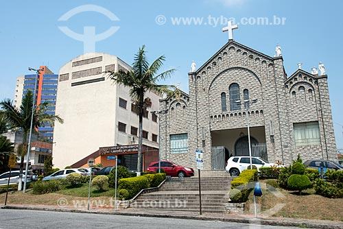 Vista do Colégio Monsenhor Alexandre Venâncio Arminas - à esquerda - com a Igreja Matriz de Nossa Senhora da Imaculada Conceição  - Mauá - São Paulo (SP) - Brasil