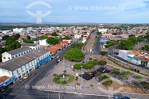 Foto feita com drone da Praça José Geraldo da Cruz com a Avenida Carlos Cruz no fundo  - Juazeiro do Norte - Ceará (CE) - Brasil
