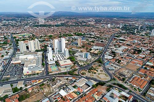 Foto feita com drone da Praça Feijó de Sá entre a Avenida Padre Cícero e a Avenida Leão Sampaio com o bairro de Santa Tereza no fundo  - Juazeiro do Norte - Ceará (CE) - Brasil