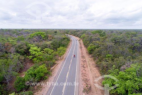 Foto feita com drone da Floresta Nacional do Araripe-Apodi com a Rodovia CE-060 - também conhecida como Rodovia Padre Cícero  - Barbalha - Ceará (CE) - Brasil