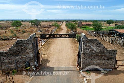 Foto feita com drone do portal do Monumento natural do Vale dos Dinossauros  - Sousa - Paraíba (PB) - Brasil