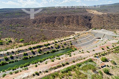 Foto feita com drone da entrada do Túnel Cuncas I - parte do Projeto de Integração do Rio São Francisco com as bacias hidrográficas do Nordeste Setentrional  - Mauriti - Ceará (CE) - Brasil