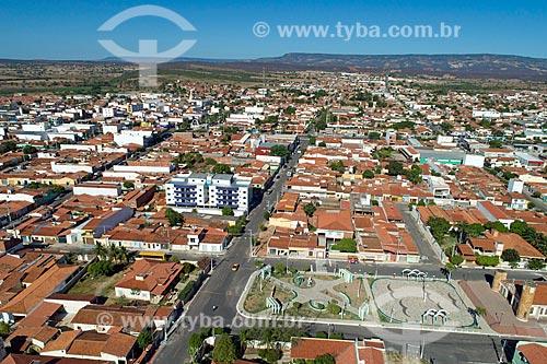 Foto feita com drone da cidade de Brejo Santo com a Chapada do Araripe ao fundo  - Brejo Santo - Ceará (CE) - Brasil