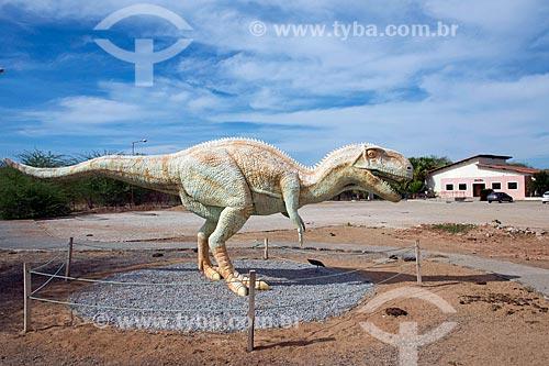 Réplica de dinossauro no Monumento natural do Vale dos Dinossauros  - Sousa - Paraíba (PB) - Brasil