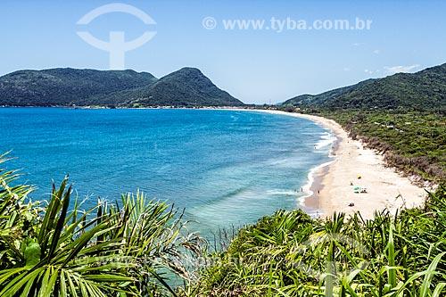 Vista da Praia da Armação do Pântano do Sul a partir do mirante da Casa de Retiros Vila Fátima  - Florianópolis - Santa Catarina (SC) - Brasil