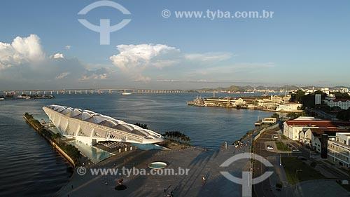 Foto feita com drone do Museu do Amanhã durante o pôr do sol  - Rio de Janeiro - Rio de Janeiro (RJ) - Brasil