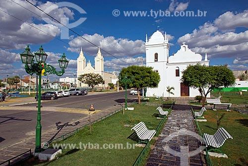 Vista da Praça da Matriz com a Igreja Matriz de Nossa Senhora dos Remédios e a Igreja de Nossa Senhora do Rosário dos Pretos (1732) ao fundo  - Sousa - Paraíba (PB) - Brasil