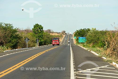 Tráfego na Rodovia Governador Antônio Mariz (BR-230) - trecho da Rodovia Transamazônica  - Cajazeiras - Paraíba (PB) - Brasil