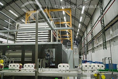 Linha de produção de papel higiênico da Carta Fabril  - Niterói - Rio de Janeiro (RJ) - Brasil