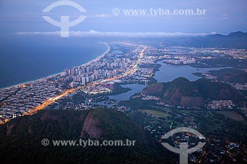 Vista do amanhecer na Barra da Tijuca a partir da Pedra da Gávea  - Rio de Janeiro - Rio de Janeiro (RJ) - Brasil