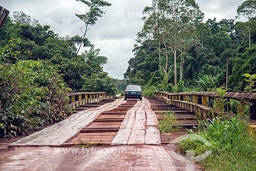 Ponte de madeira sobre o Rio Preto  - Mazagão - Amapá (AP) - Brasil