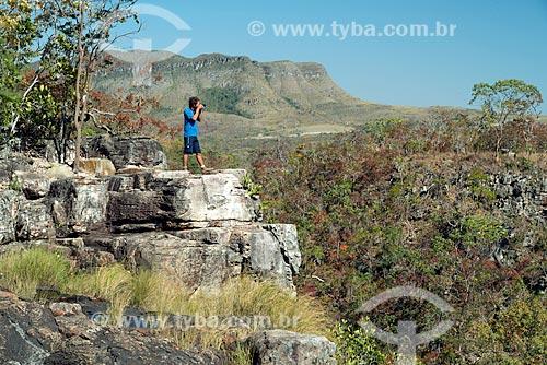 Fotógrafo na Cachoeira Almécegas I no Parque Nacional da Chapada dos Veadeiros  - Alto Paraíso de Goiás - Goiás (GO) - Brasil