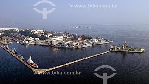 Foto feita com drone da Ilha das Cobras com o Castelo da Ilha Fiscal à direita  - Rio de Janeiro - Rio de Janeiro - Brazil