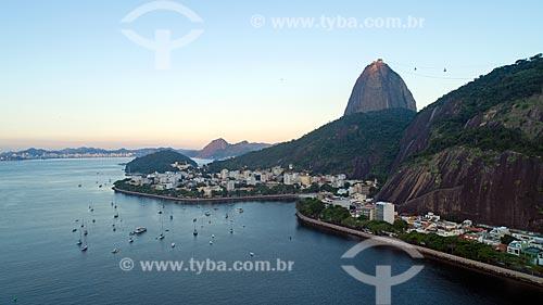 Foto feita com drone do bairro da urca com o Pão de Açúcar ao fundo  - Rio de Janeiro - Rio de Janeiro (RJ) - Brasil