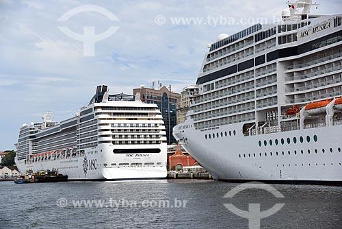 Vista de navios de cruzeiro durante o Rio Boulevard Tour - passeio turístico de barco na Baía de Guanabara  - Rio de Janeiro - Rio de Janeiro (RJ) - Brasil