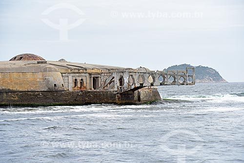 Vista do Forte Tamandaré da Laje (1555) durante o Rio Boulevard Tour - passeio turístico de barco na Baía de Guanabara  - Rio de Janeiro - Rio de Janeiro (RJ) - Brasil