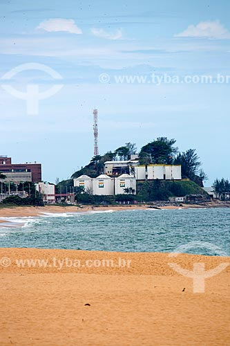 Vista da orla da Praia dos Cavaleiros com a Unidade de Negócios Bacia de Campos da Petrobras ao fundo  - Macaé - Rio de Janeiro (RJ) - Brasil