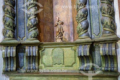 Detalhe de altar lateral - esculpido em madeira - da Capela de São João Batista (1761)  - Goiás - Goiás (GO) - Brasil