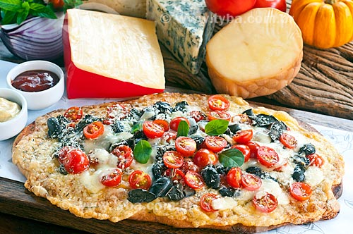 Detalhe de pizza artesanal  - Canela - Rio Grande do Sul (RS) - Brasil