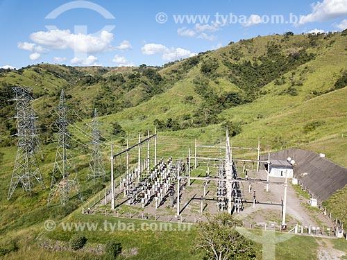 Foto feita com drone de subestação da ENEL - concessionária de serviços de transmissão de energia - antiga Ampla Energia e Serviços S.A - no Km 21 da Rodovia BR-040 próximo à Três Rios  - Três Rios - Rio de Janeiro (RJ) - Brasil