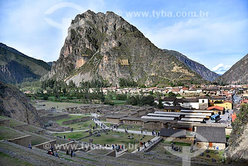 Vista da ruínas Incas no Parque Arqueológico Pinkuylluna a partir do Parque Arqueológico Nacional Ollantaytambo  - Ollantaytambo - Departamento de Cusco - Peru