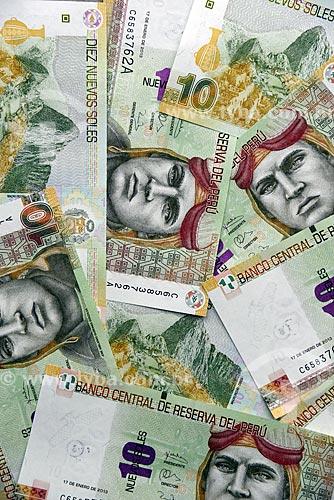 Detalhe de moeda Peruana - Novos Soles - notas de 10 com a imagem do herói da aviação militar José Abelardo Quiñones Gonzales  - Lima - Província de Lima - Peru