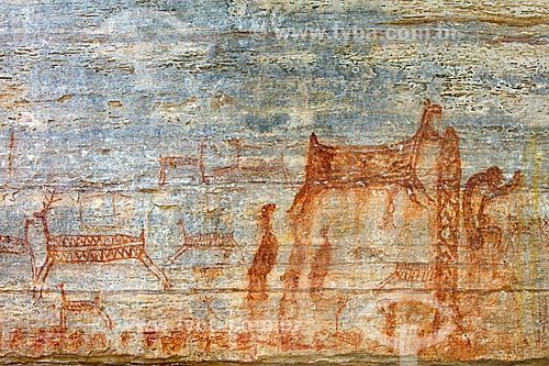 Detalhe de pintura rupestre - figuras de animais - no Sítio Arqueológico Toca Pinga do Boi no Parque Nacional Serra da Capivara  - São Raimundo Nonato - Piauí (PI) - Brasil