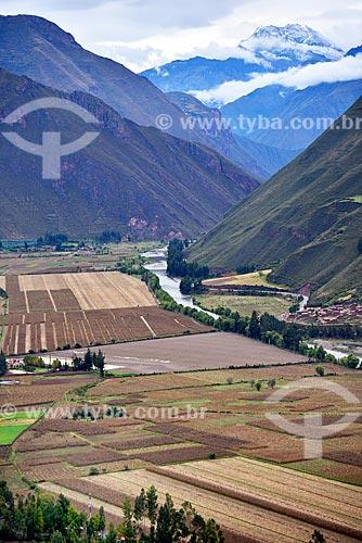 Vista da paisagem a partir do Mirante de Taray com o Rio Urubamba  - Taras - Província de Calca - Peru