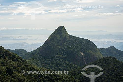 Vista do Pico da Tijuca durante a trilha do Bico do Papagaio no Parque Nacional da Tijuca  - Rio de Janeiro - Rio de Janeiro (RJ) - Brasil
