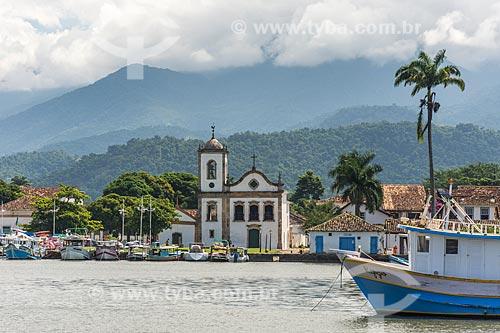 Vista geral da Baía de Paraty com a Igreja de Santa Rita de Cássia (1722) ao fundo  - Paraty - Rio de Janeiro (RJ) - Brasil