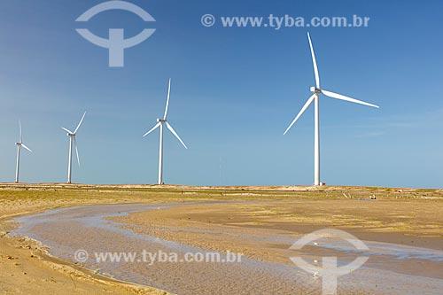 Detalhe dos aerogeradores do Parque Eólico Pedra do Sal no Delta do Parnaíba  - Ilha Grande - Piauí (PI) - Brasil