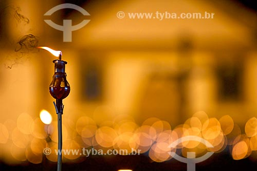 Detalhe de vela durante a Procissão do Fogaréu na Semana Santa da cidade de Oeiras  - Oeiras - Piauí (PI) - Brasil