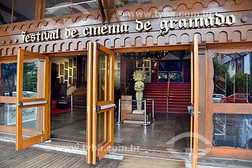 Entrada do Palácio dos Festivais - local de exibição dos filmes participantes do Festival de Cinema de Gramado  - Gramado - Rio Grande do Sul (RS) - Brasil