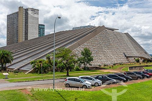 Fachada do Teatro Nacional Cláudio Santoro (1966)  - Brasília - Distrito Federal (DF) - Brasil