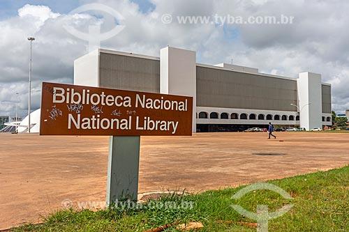 Fachada da Biblioteca Nacional Leonel de Moura Brizola (2006) - parte do Complexo Cultural da República João Herculino  - Brasília - Distrito Federal (DF) - Brasil