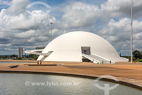 Fachada do Museu Nacional Honestino Guimarães (2006) - parte do Complexo Cultural da República João Herculino  - Brasília - Distrito Federal (DF) - Brasil