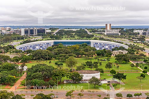 Vista do Teatro Funarte Plínio Marcos (1991) - parte do Complexo Cultural da Funarte - a partir da Torre de TV de Brasília com o Centro de Convenções Ulysses Guimarães (1979) ao fundo  - Brasília - Distrito Federal (DF) - Brasil