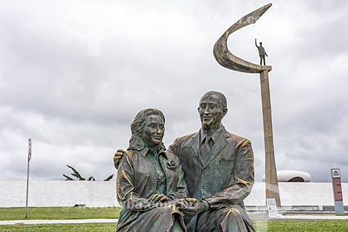 Detalhe de esculturas no Memorial JK  - Brasília - Distrito Federal (DF) - Brasil