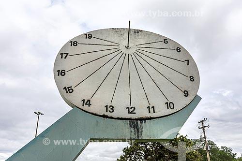 Detalhe de relógio de sol no Parque da Cidade Dona Sarah Kubitschek - mais conhecido como Parque da Cidade  - Brasília - Distrito Federal (DF) - Brasil
