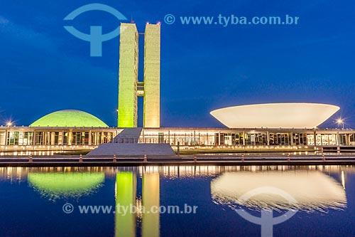 Fachada do Congresso Nacional à noite  - Brasília - Distrito Federal (DF) - Brasil