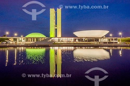 Fachada do Congresso Nacional durante a noite  - Brasília - Distrito Federal (DF) - Brasil